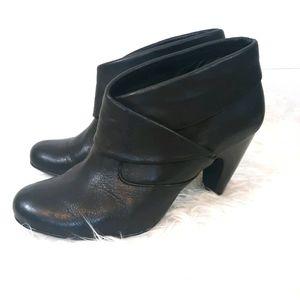 Sofft leather heels booties sz 9